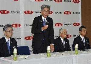 JA全農が通常総代会開催。総代会・経営管理委員会後、長澤会長、山﨑理事長、野口・桑田両専務は、東京・JAビルで記者会見を行った。