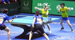 決勝戦ダブルスで中国ペアと対戦する石川・平野選手