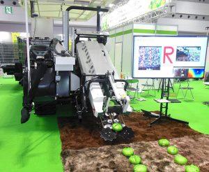 2019国際ロボット展キャベツ収穫ロボット